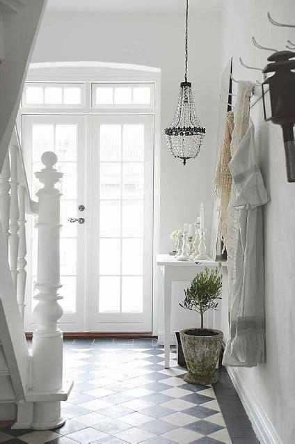 laminat shabby chic shabby chic entry cottage entrance foyer