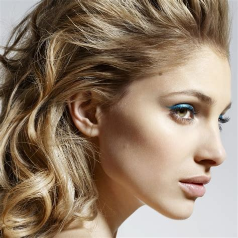 hairstyles for mid fortys sophisticated hair styles for women in their mid forties