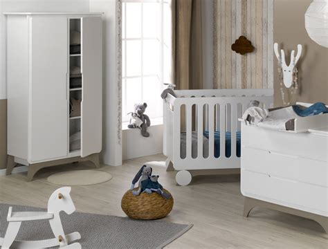 habitacion de bebe de fabricacion ecologica color blanco lino