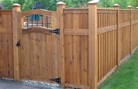 Backyard Fence Pictures And Ideas Wood Fence Backyard