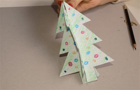 Make My Paper - how to make a paper tree from a stencil 6 steps