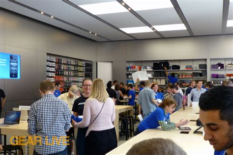 Apple Store Grand Opening Giveaway - apple store bellevue square grand re opening apple store bellevue square grand