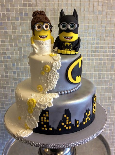 Hochzeitstorte Batman by 25 Gorgeous Yet Geeky Wedding Cakes For Your Special Day