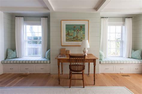 bungalow bedroom decorating ideas lovely beach cottage coastal decor decorating ideas