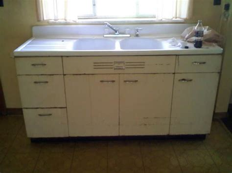 selling old kitchen cabinets vintage kitchen sink farm hotpoint kitchen sink cabinets antique appraisal