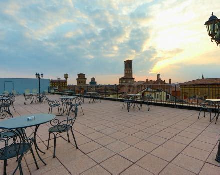 terrazza bologna hotel con terrazze panoramiche vista torri asinelli a
