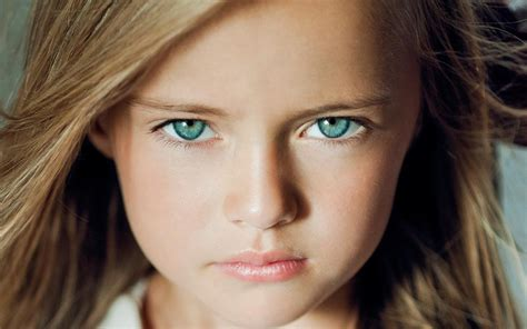 10 model kids with famous supermodel moms mother insists child supermodel is sheltered from fame