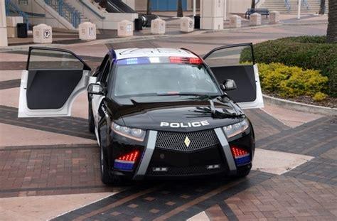 carbon motors car carbon motors e7 car gets 10 000 reservations
