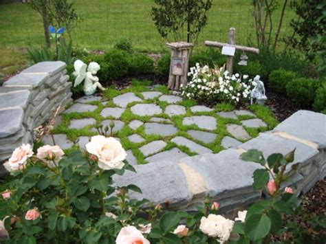 Pet Memorial Ideas For The Garden 17 Best Images About Memorial Gardens On Gardens Sympathy Quotes And Memorial Gardens