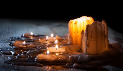 cera di candela come togliere la cera di candela dal legno leitv