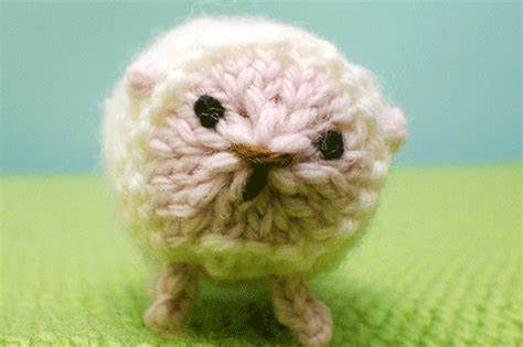 knitting gif te amo gif by mochimochiland find on giphy