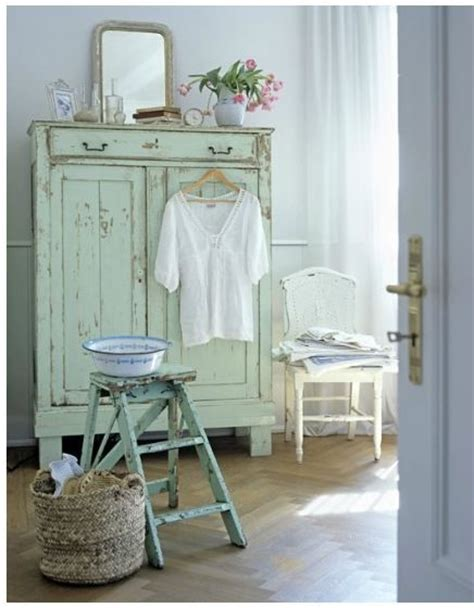 11 exquisite shabby chic decorating tips distressed