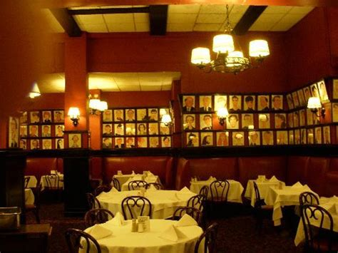 sardis restaurant manhattan drawings on the walls picture of sardi s restaurant new