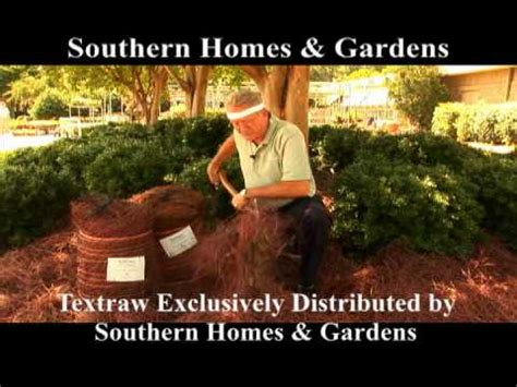 southern homes and gardens featuring textraw