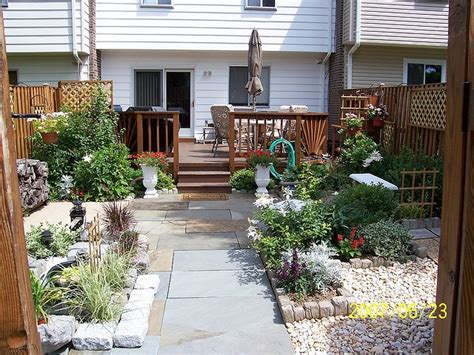 Townhouse Backyard Gardening And More Pinterest Townhouse Backyard Landscaping Ideas