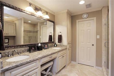 Mirrors Bathroom Vanities by 1000 Ideas About Bathroom Vanity Mirrors On
