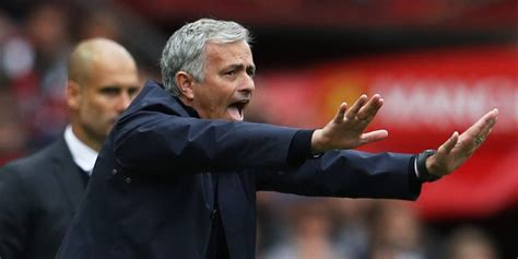 Handuk Kecil Manchester City mourinho laga lawan city bukan untuk anak kecil bola net