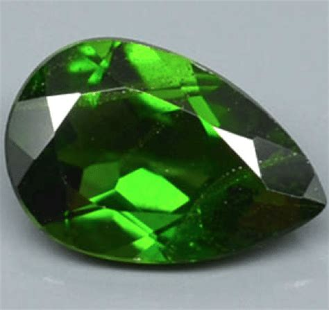 Chrome Diobsite 1 22 ct chrome green diopside gemstone