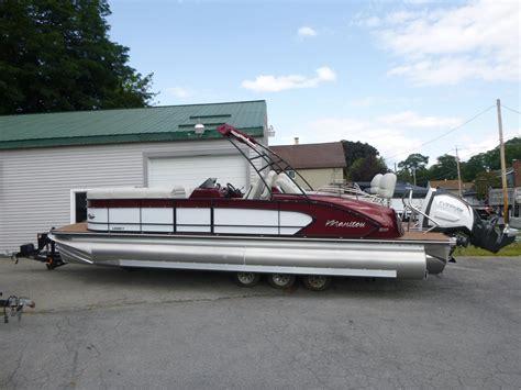 luxury pontoon boats reviews manitou 25 legacy shp pontoon luxury and performance