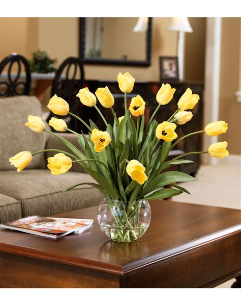Quick And Easy Decorating With Abundance Of Tulips Silk Artificial Table Centerpieces