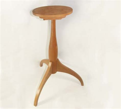 Small Pedestal Table by Small Tilt Top Pedestal Table