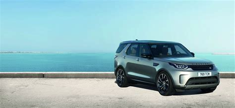 land rover discovery suv land rover unveils all new 2018 discovery suv 161 photos