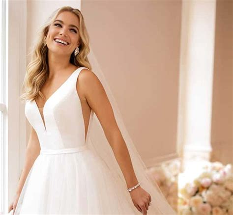 Design A Wedding Dress by Wedding Dresses