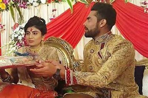 jadeja biography in hindi in pics indian cricketer ravindra jadeja gets engaged to