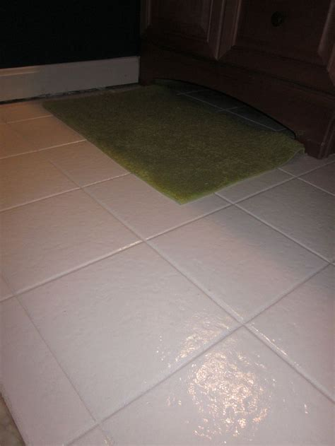 paint for bathroom floor tiles best 25 painting tile floors ideas on pinterest