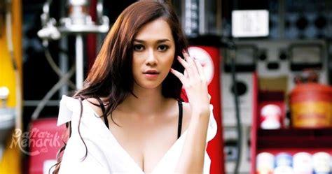 10 selebriti yang merasa payudaranya terlalu besar 10 artis indonesia yang memiliki ukuran bra paling besar