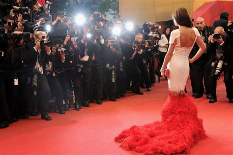 Vs The Paparazzi Its War by Paparazzi Cinema Conversation Questions