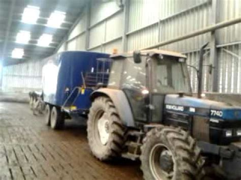 beckett agri wagon silage 2014 feeding cows with rs agri wagon and ford 7740