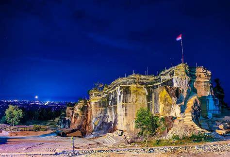Monitor Bekas Di Yogyakarta tebing breksi bekas penambangan batu yang mempesona the caption