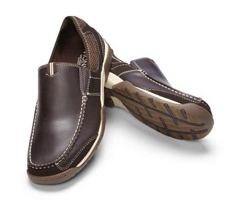 mens sport shoe vionic eli mens sport shoe