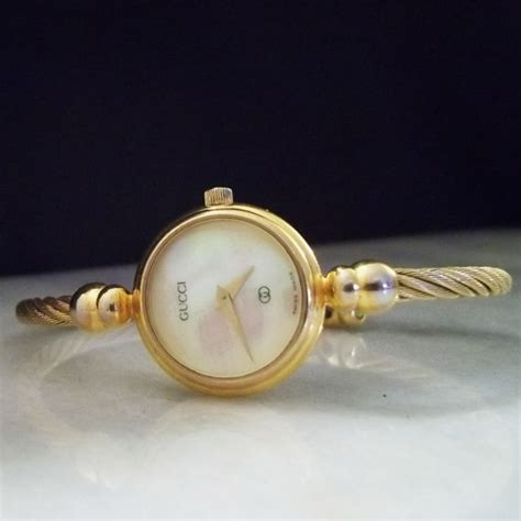 GUCCI 2047L Gold Women's Vintage Watch. by VintageLaneJewels