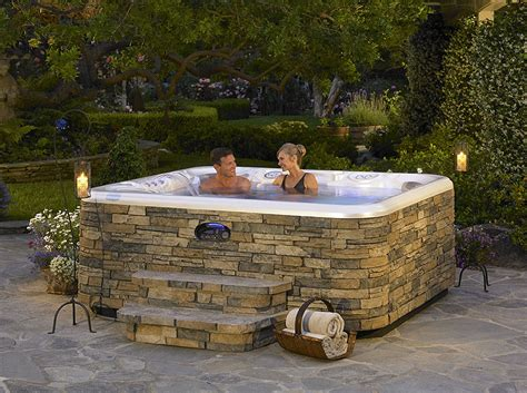 Outdoor Spas And Tubs Make You Day Cool With Outdoor Hotspring Spas