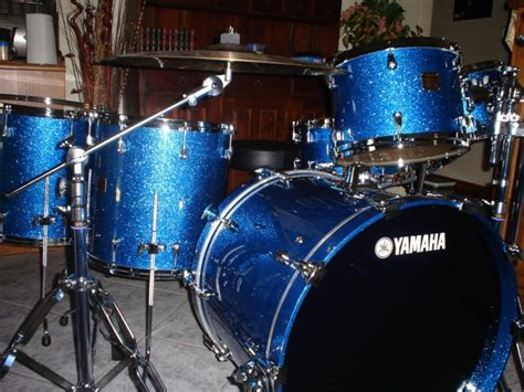 Absolute Blue yamaha maple custom absolute nouveau blue sparkle endorsee