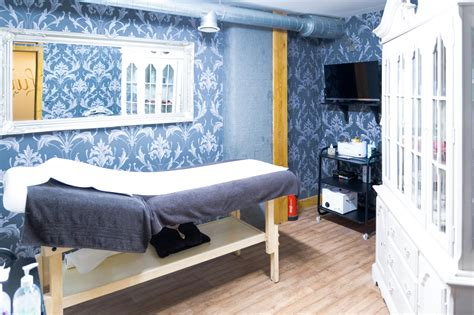 the best treatments to book now at london s luxury spas book now luxury wax bar london s best waxing services