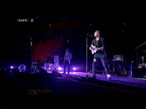 youtube strawberry swing hq coldplay strawberry swing live roskilde festival