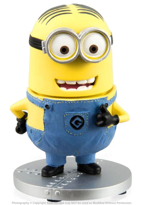 bobblehead of me despicable me two eyed minion bobble doll universal