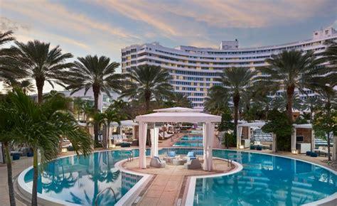 imagenes hotel fontainebleau miami miami beach cabana rentals fontainebleau miami beach