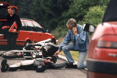 Gebrauchte Motorräder Für Kleine Frauen by Ratgeber Motorrad Nach Unfall Den Helm Abnehmen