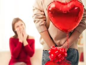 valentines day gifts for couples 5 gifts boldsky