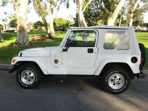 jeep sahara white 2 door purchase used 1998 jeep wrangler sahara sport utility 2
