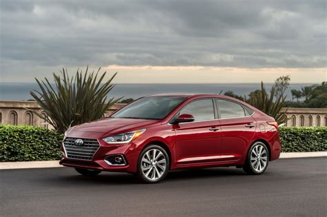 Hyundai Accent Specifications by Hyundai Accent Technical Specifications And Fuel Economy