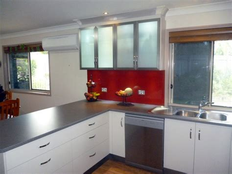 bright glass kitchen splashbacks