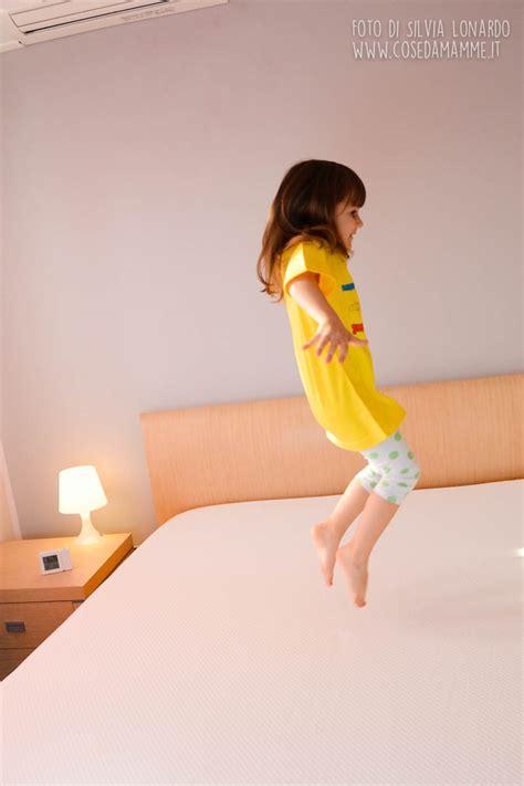 giochi da fare a letto le 10 cose pi 249 da fare a letto cose da mamme