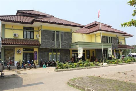 Buku Semangat Dan Totalitas Membangun Negeri perpustakaan daerah kabupaten tangerang
