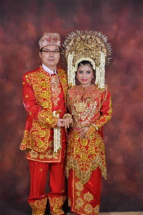 tutorial rias pengantin padang tata rias pengantin dan pakaian adat modern