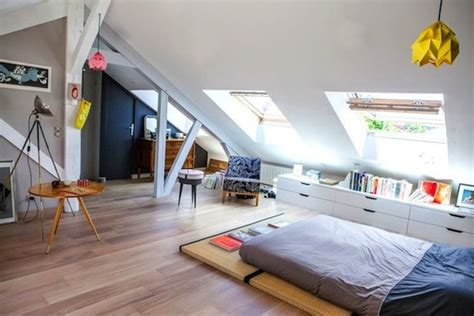 chambre dans les combles photos chambre sous les toits chambre moderne sous pente chambre